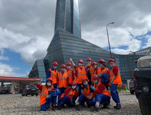 Женский строительный отряд «Белка» из Архангельска строит небоскреб в Санкт-Петербурге